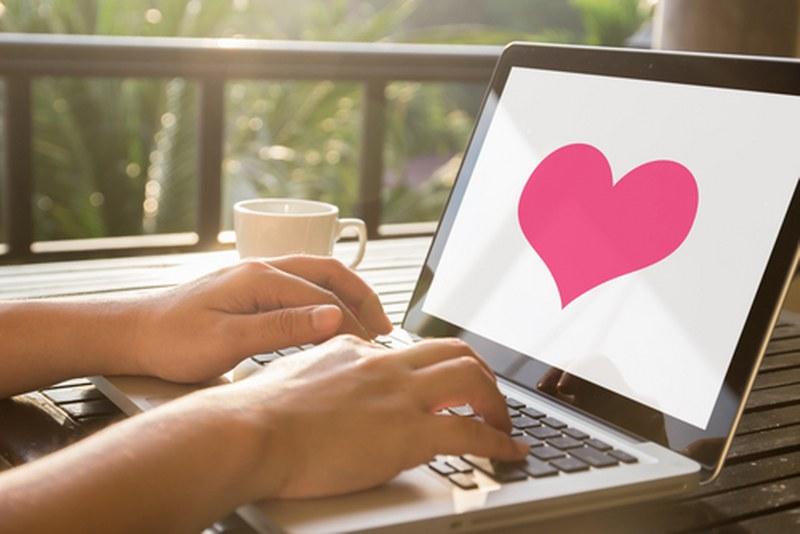 Siti di incontri online gratis: Esistono davvero!
