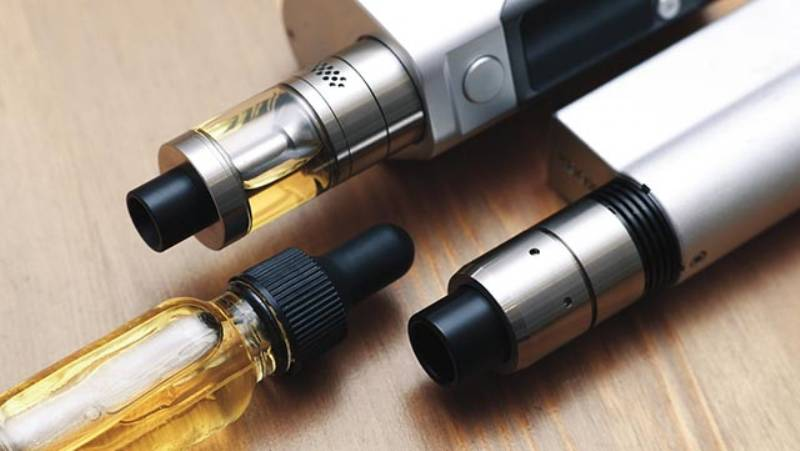 La sigaretta elettronica aiuta a smettere di fumare?