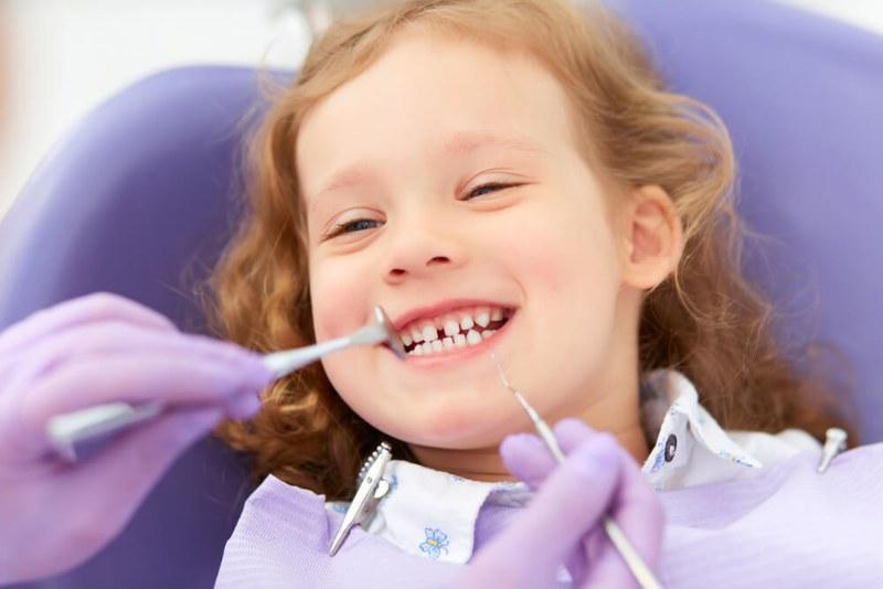 Pedodonzia, il diastema dentale e come si interviene
