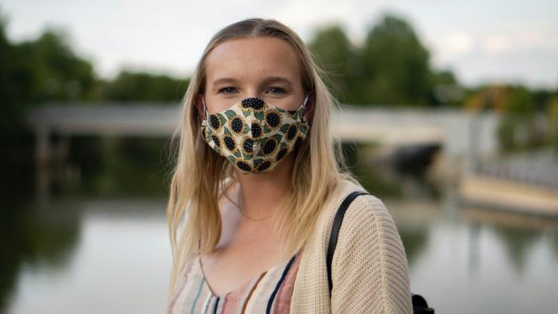 Mascherine in cotone lavabili, la soluzione fashion per la pandemia