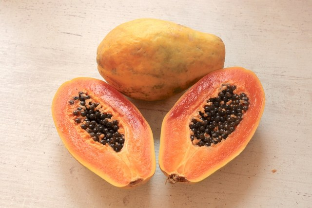 Come usare la Papaya Fermentata: proprietà e benefici