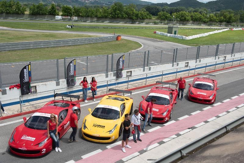 Team Building Aziendali: motiva il tuo team a bordo di una Ferrari da competizione