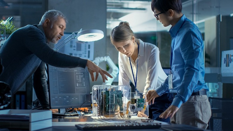 Con quali componenti industriali saranno costruiti i macchinari di domani?
